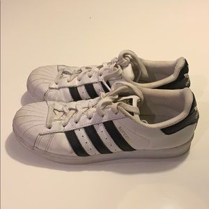 Adidas Superstar size 7